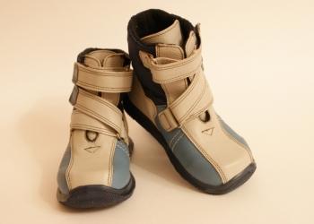 Демисезонные новые ботинки Фома