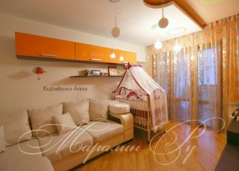 продам 4 комнатную квартиру на Ворошиловском, центр