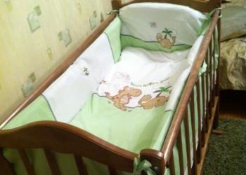 Детская кроватка + матрас+комплект белья
