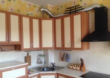 Продаю однокомнатную квартиру в хорошем состоянии общей площадью 40/20/10 этаж