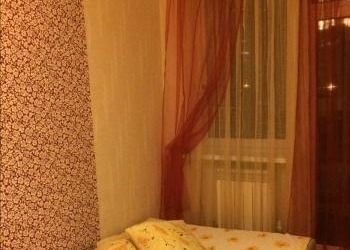 Продаю уютную квартирку в центре города с ярким, дизайнерским ремонтом.