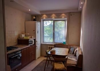продам 3-х комнатную квартиру на 3 этаже 9-ти этажного дома.