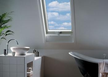 Мансардное окно VELUX  для ванной