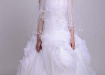 Продам платье от дизайнера.