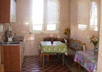 Номера, комнаты, квартиры, жилье в Крыму дешево