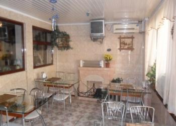 Продается действующее кафе, на Ялтинской набережной.