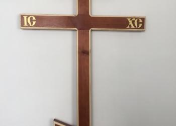деревянные могильные надгробные кресты