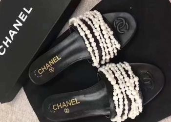 купить шлёпанцы Chanel в modnitca