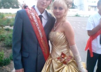 Выпускное платье золотого цвета