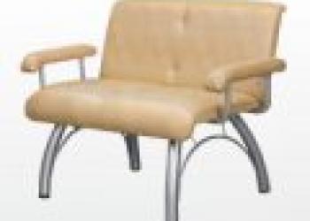 Продам диван из искусственной кожи.