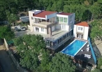 Крым. Дом в Ялте 500 м2 с видом на море, в коттеджном поселке