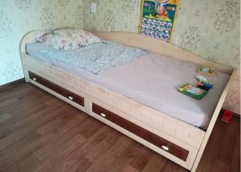 Кровать тахта выдвижная . Качественная
