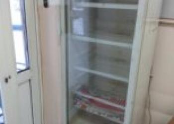 """Холодильник-витрина """"Бирюса"""". Б/у,в хорошем состоянии."""