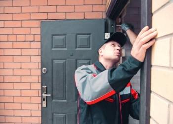 Бюджетная Установка и замена металлических дверей