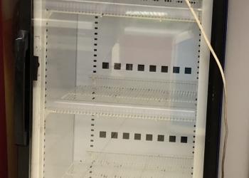 Холодильник одностворчатый - стекло.