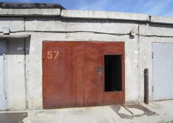 Продам гараж на Шлюзе, рядом с ТЦ «Балтийский»