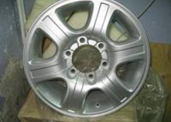 Продаем диски колесные литые R16 на SsangYong MUSSO
