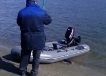 продам лодку с матором