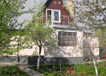 благоустроенный дом на земельном участке