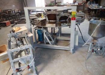 Полуавтоматическая линия для производства вафельных рожков.