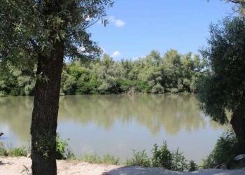 Продам 2,2 га зарыбленные пруды в собственности в Славянском районе,