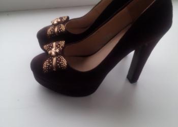 Туфли на устойчивом коблуке