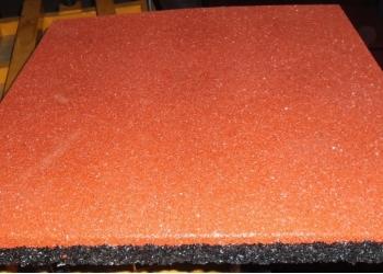 Плитка резиновая, бордюры резиновые, рулонные покрытия