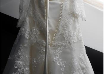 Удивительное свадебное платье