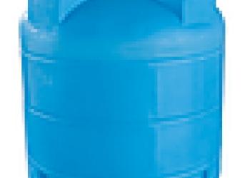 Емкости пластиковые для воды и топлива.