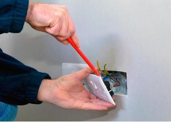 Электромонтаж проводки электрики в Пензе