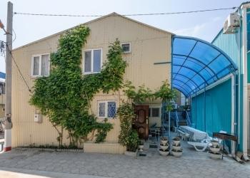 Продаю 2-х этажный коттедж с земельным участком на берегу Азовского моря.