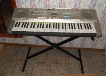 Продам синтезатор CASIO LK-300TV