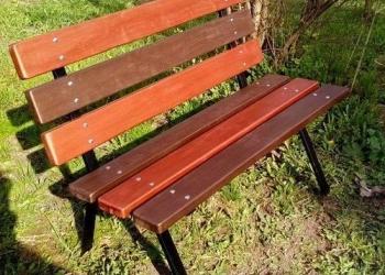 Садовые скамейки со спинкой на металлокаркасе