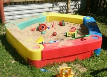 Детская пластиковая песочница