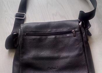 Породам кожанную сумку Rockfeld