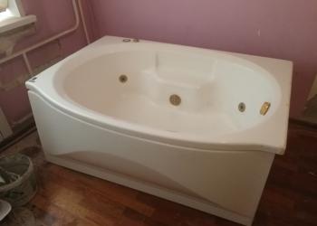 Акриловая ванна с гидро-массажем