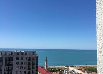Квартира с видом на море.