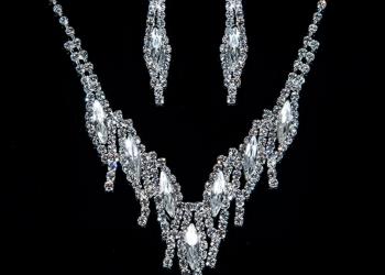 Комплект ожерелье и серьги с кристаллами Swarovski. арт.10082212