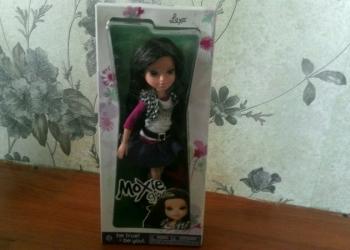 Кукла Bratz и кукла Moxie