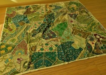 Покрывало декоративное ручной работы из Индии (2 * 2.2 м).