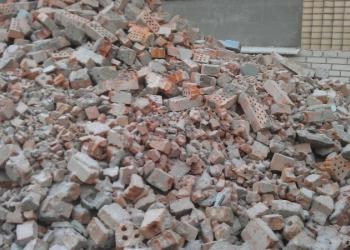 Строительный мусор (битый кирпич, колотый бетон) с доставкой по 10 и 20м3