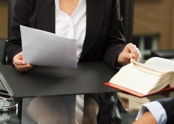 Профессиональная консультация и практическая помощь юриста