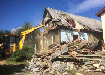 Демонтаж деревянных домов. Снос  зданий и сооружений