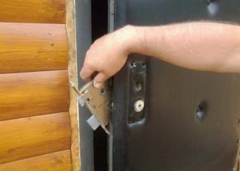 Замена замков в железных дверях в видное домодедово
