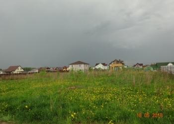 Участок в живописном месте Ломоносовского района в обжитом коттеджном поселке