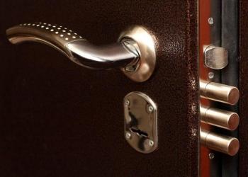 Замена замков в железных дверях в красногорске химки зеленограде долгопрудном
