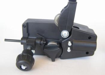 Подающий механизм для сварочного аппарата MIG