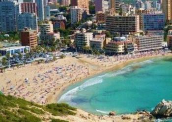 Продам апартаменты 150,0 кВ в Бенидорме на 1 линии от моря.