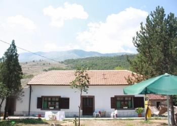 Дом с участком в Черногории