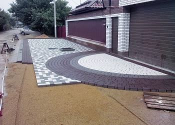 Укладка брусчатки,тротуарной плитки, земляные работы, бетонные работы.